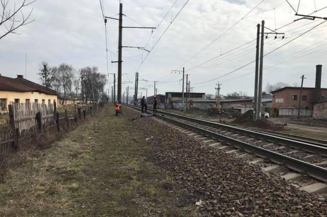 Во Львове обнаружили перерезанное поездом тело мужчины