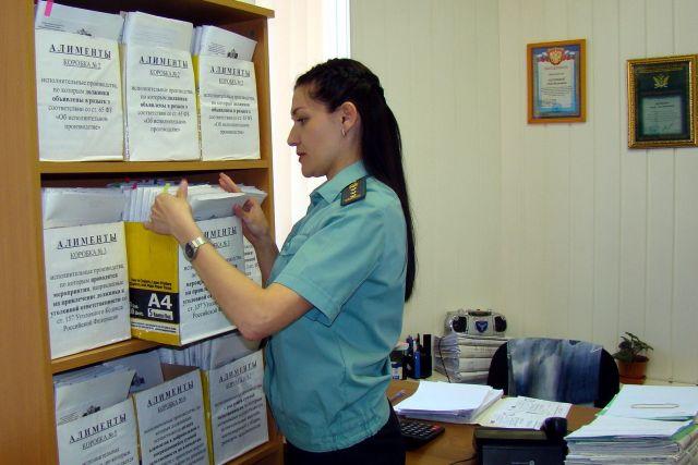 Житель Киселевска уволился с работы, чтобы не платить алименты.