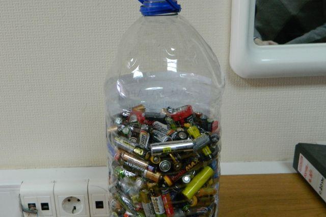 Использованные батарейки начнут принимать для утилизации уже в нынешнем году.