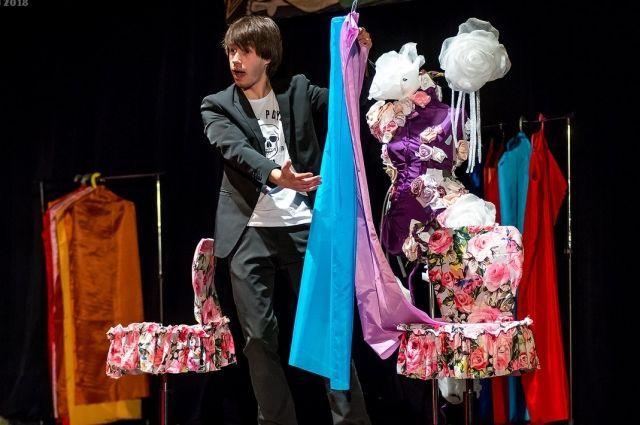 Театр «Камер-юнкер» представил нижегородцам французскую комедию.