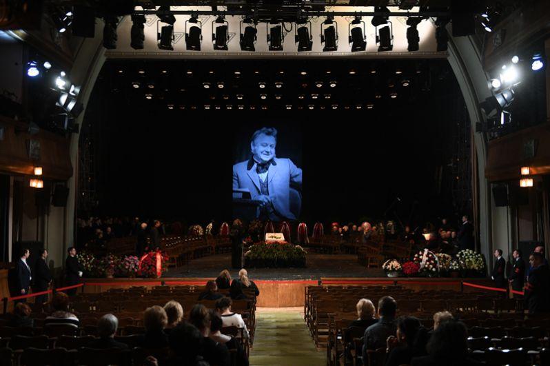 Церемония прощания с актером Олегом Табаковым.