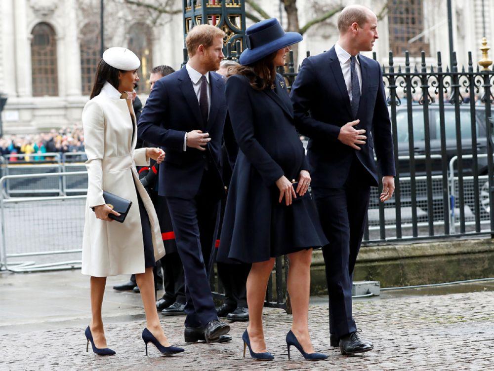 Британский принц Гарри, его невеста Меган Маркл, принц Уильям и герцогиня Кэтрин Кембриджская в День Содружества в Вестминстерском аббатстве в Лондоне.