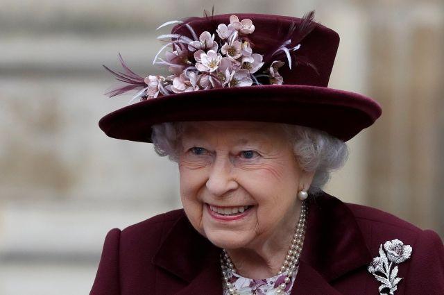 Королева Елизавета II разрешила принцу Гарри жениться на Меган Маркл
