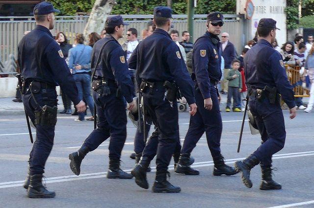 В Мадриде начались массовые беспорядки из-за гибели уличного торговца
