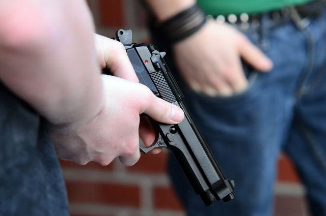 Приставившему пистолет к лицу школьника грабителю грозит до 10 лет.