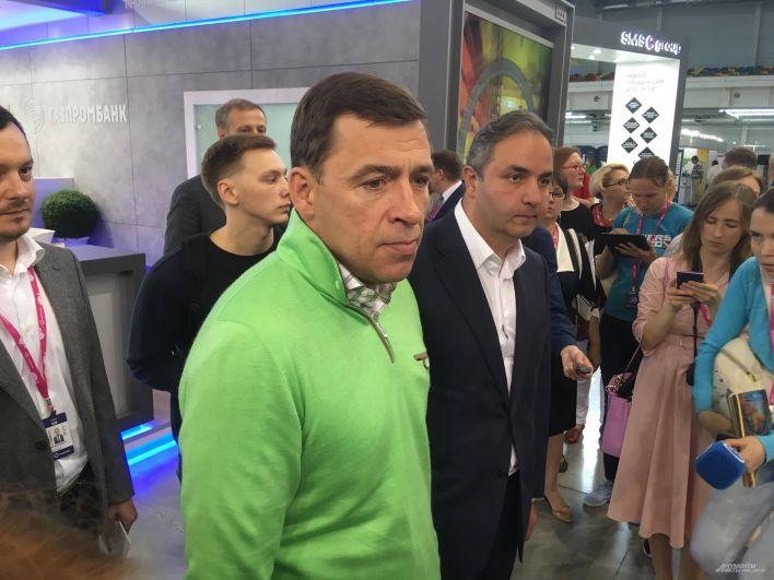 Посещение стендов международной выставки «Иннопром» за день до приезда Владимира Путина. 9 июля 2017 года