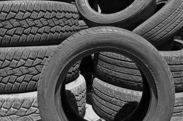 В Новосибирске украли и вернули шипованые колеса