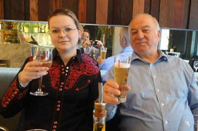 Сергей Скрипаль с дочерью.