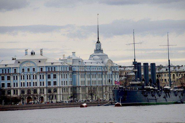 Кодню города Петербург украсят на2,2 млн руб.