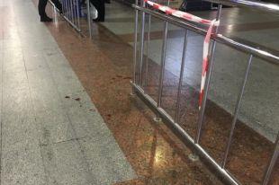 Конфликт в Киеве: мужчина нанес прохожему ножевое ранение в щеку
