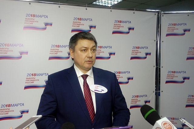 Председатель избирательной комиссии Кемеровской области Юрий Емельянов рассказал, как проходит голосование в Кузбассе.