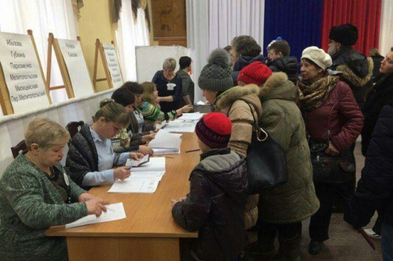 В Кемерово на избирательных участках довольно оживлённо.