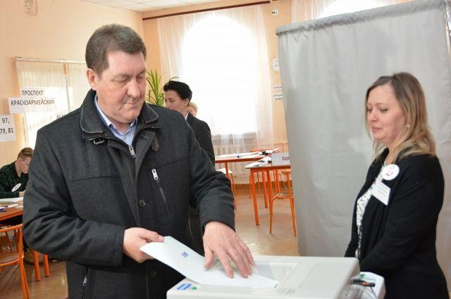 Сергей Дугин на выборах.