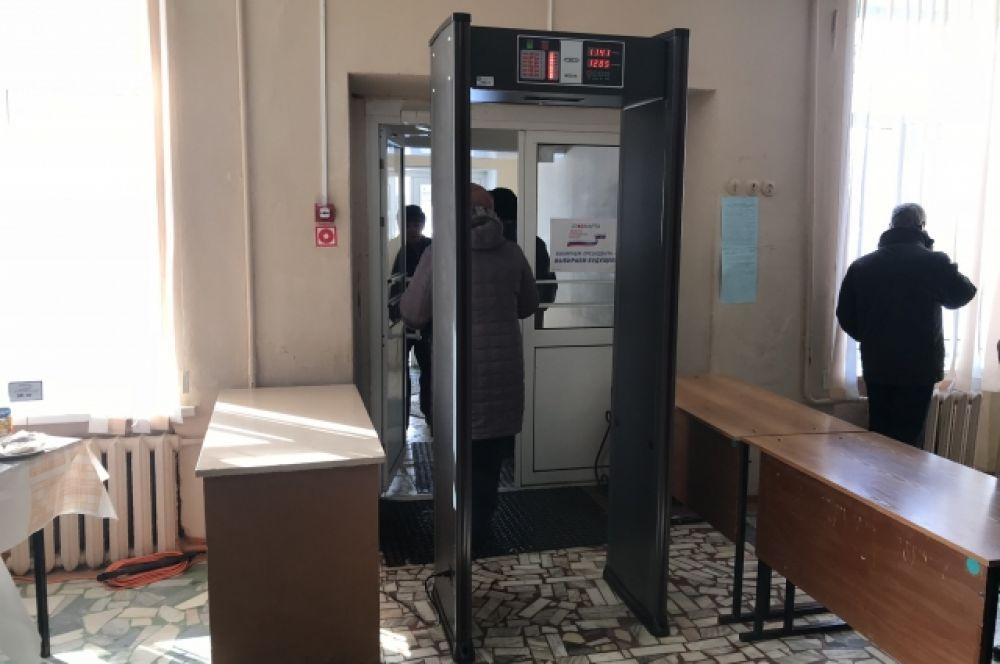 На избирательных участках Пензы установлено 110 рамочных металлодетекторов.