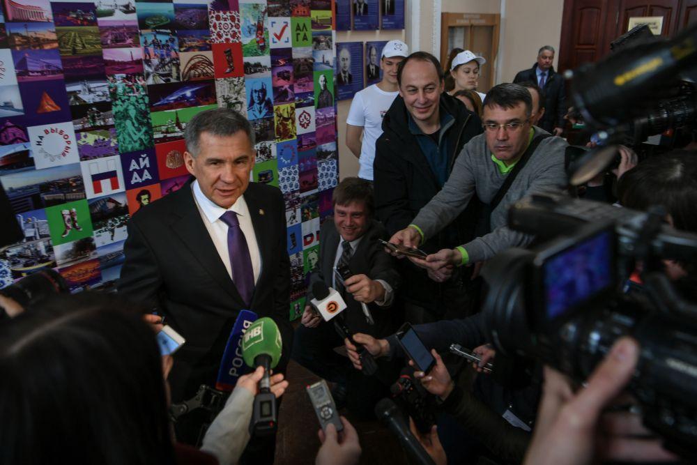 Президент сказал, что собирается посетить и концерт на