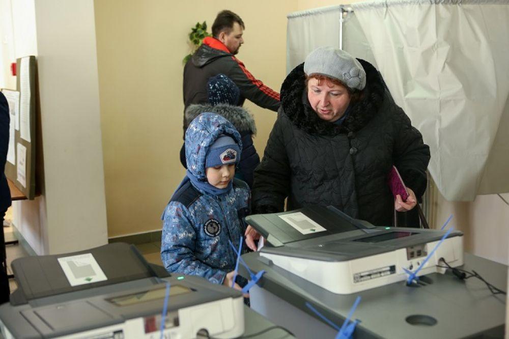 На выборы пензенцы приходили с детьми и внуками.