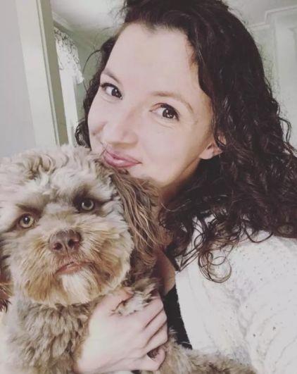 Владелица собаки Шанталь Деджардин со своим любимым питомцем.