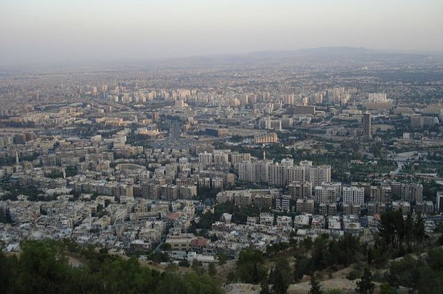 Боевики сбили самолет сирийских ВВС в Дамаске