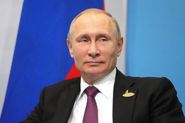 Владимир Путин с самого начала подсчета голосов был безоговорочным лидером.