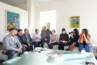 Пресс-конференция прошла в уютной домашней атмосфере.
