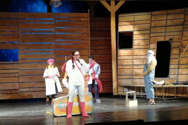 В театре представили спектакль по пьесе Ульриха Хуба.