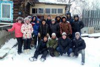 На помощь деду в Курашим приехали 14 волонтёров из Перми.