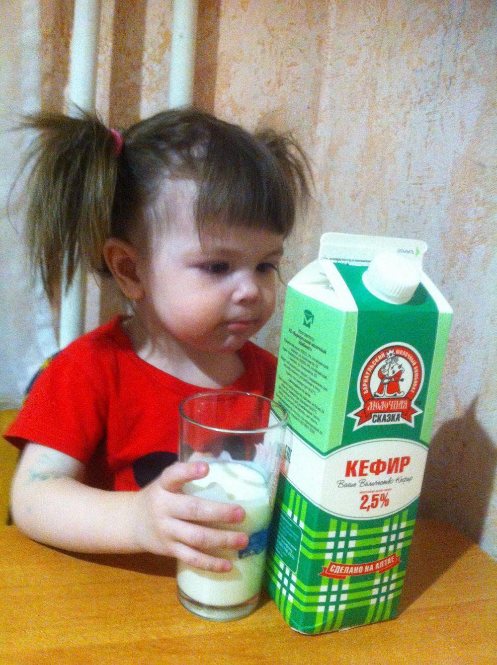 «Так-так, посмотрим...». Кефирчик «Молочная сказка» обожаем всей семьей, потому что он натуральный, легкий и очень очень вкусный