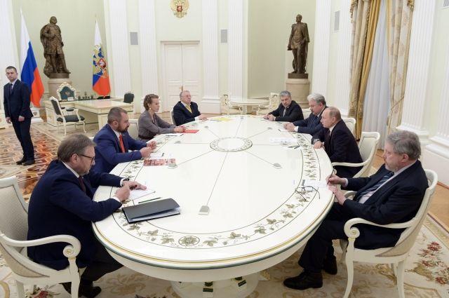 Путин попросил соперников на выборах объединить усилия на благо России