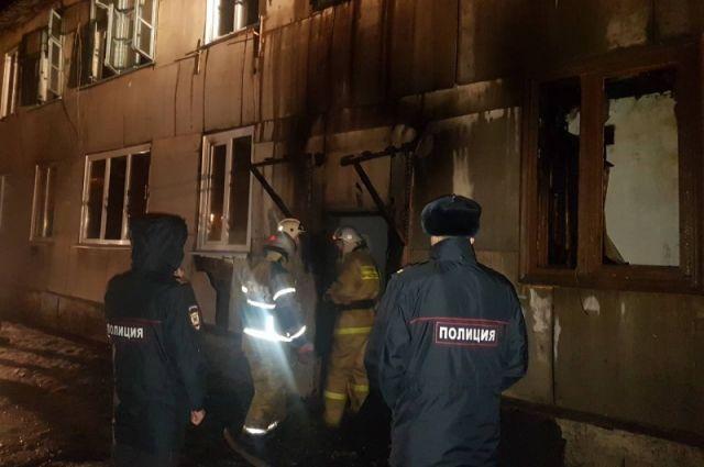 На тушение пожара привлекалось 17 человек, 5 единиц техники.