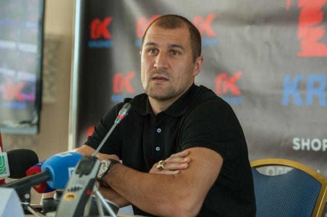 Сергей Ковалёв изменил подход к боксу.