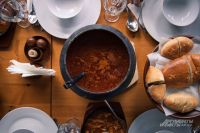 Борщ, котлеты и гуляш можно приготовить без мяса.