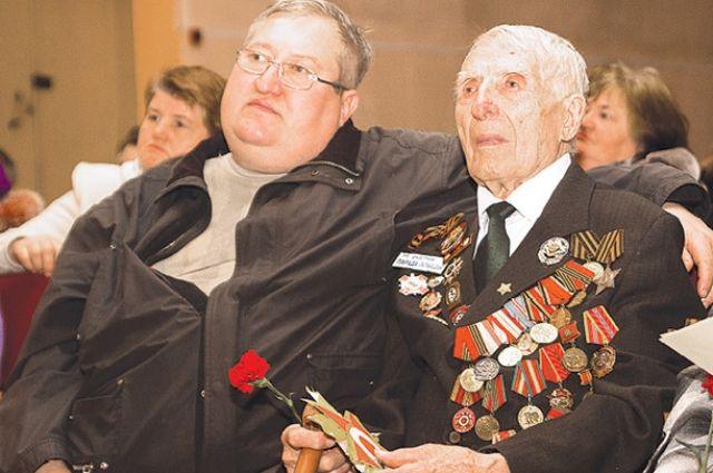 Василий Емельяшин участвовал в параде Победы в 1945 г.