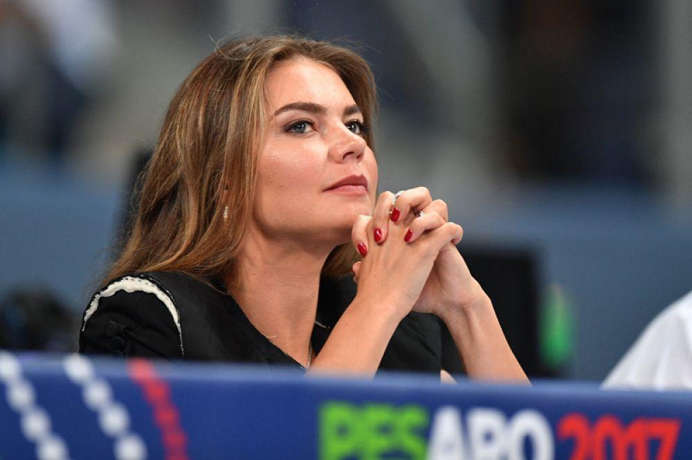 Олимпийская чемпионка Алина Кабаева в 2007 году стала депутатом Государственной думы РФ V созыва и была заместителем председателя думского комитета по делам молодежи.