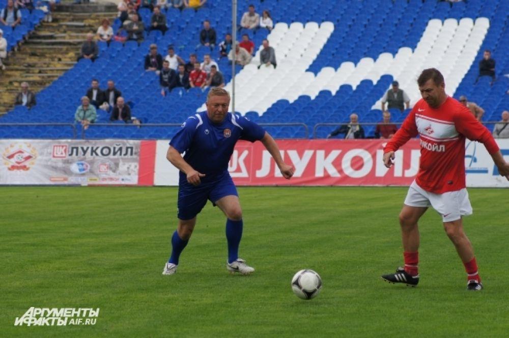 Александр Ярошук на футбольном поле.