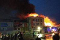 Пожар удалось потушить только к двум часам ночи.