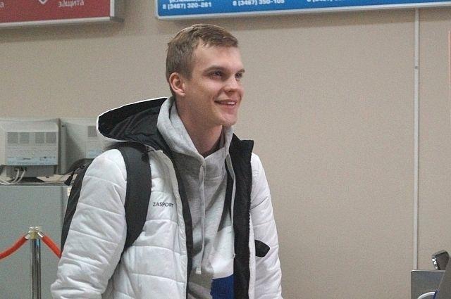 Сегодня утром спортсмен прилетел в Ханты-Мансийск