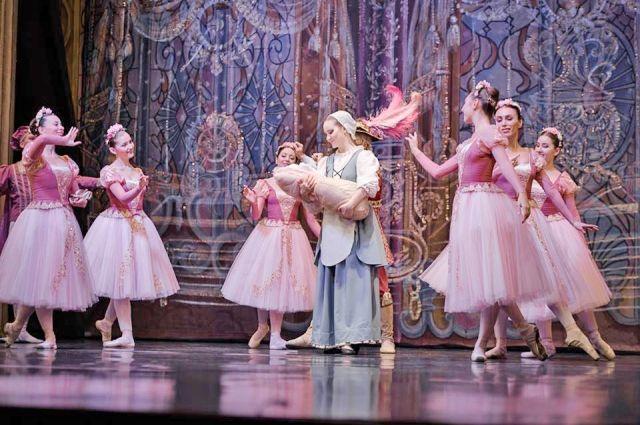 Сцена из мюзикла «Спящая красавица». Балетмейстер  Ольга Козорез стала лауреатом краевого театрального конкурса.