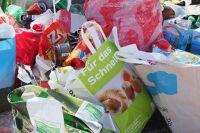 Тюменцев призывают не мусорить на кладбищах