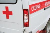 В аварии сильно пострадали водитель и пассажир иномарки.
