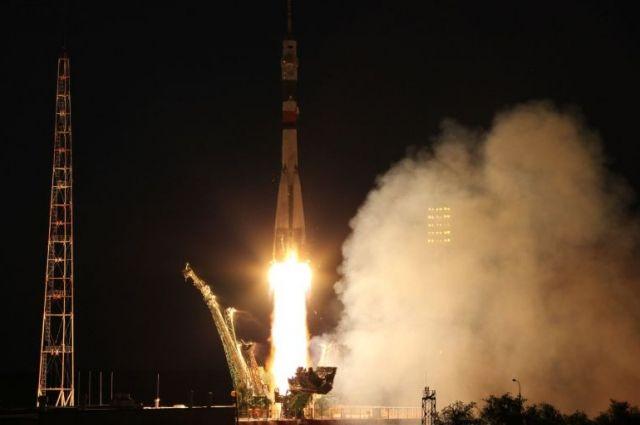 СБайконура стартовала ракета «Союз-ФГ» спилотируемым кораблем «Союз МС-08»