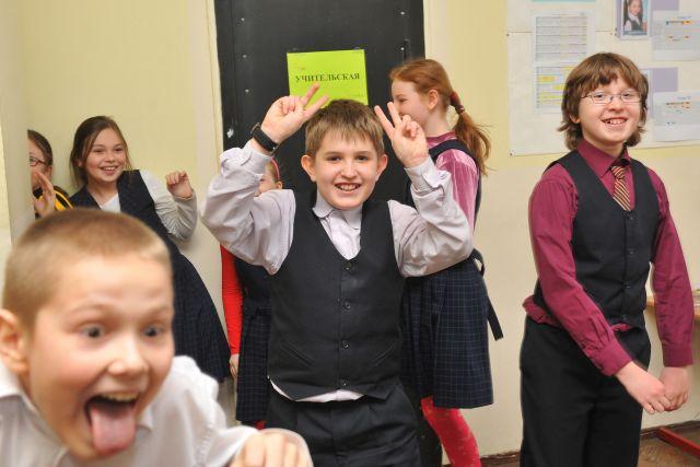 Оренбургские школьники будут ходить на занятия до начала весенних каникул, а орские – нет.