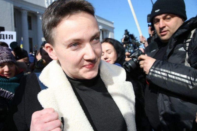 В самом здании Верховной Рады к Надежде Савченко подошел следователь СБУ, который предложил депутат