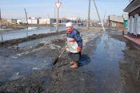 Замусоренные реки могут стать причиной паводка.
