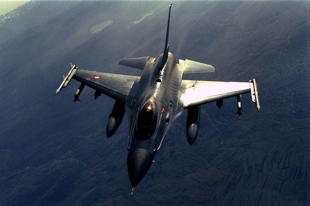 Истребитель F-16 разбился в Турции во время учебного полета