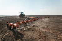 Во всем мире сельское хозяйство пользуется льготами и финансовой поддержкой государства. На такую же помощь рассчитывают и наши селяне.