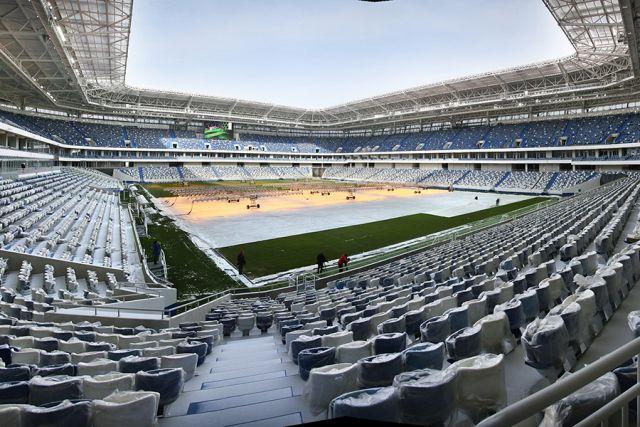 За билетами на первый матч на «Стадионе Калининград» выстроились очереди.