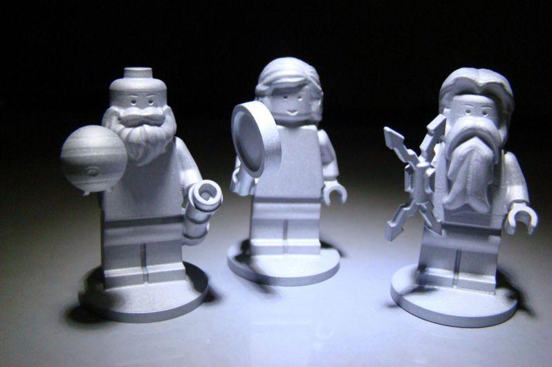 5 августа 2011 года НАСА запустили автоматическую межпланетную станцию «Юнона» для изучения Юпитера. На ее борту находятся три фигурки LEGO: Галилея, римского бога Юпитера и его жены Юноны. Фигурки были сделаны из алюминия, чтобы выдержать экстремальные условия во время полета.