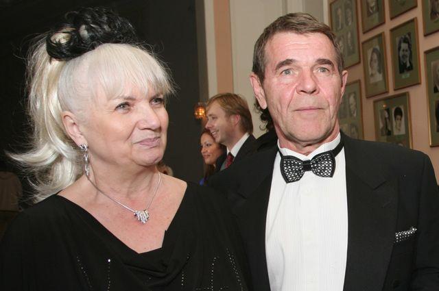 Народный артист России Алексей Булдаков с супругой.