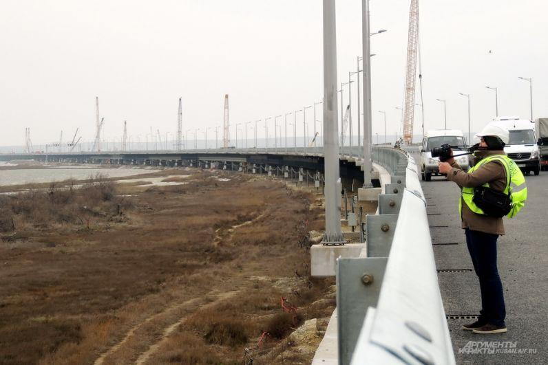 Участок моста на острове Тузла.