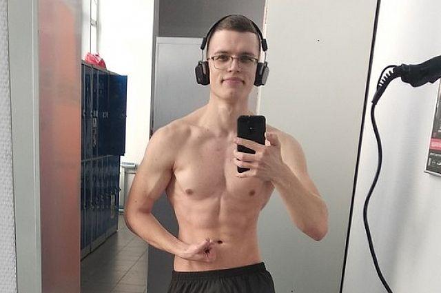 Несмотря на несбалансированное питание, Алексей находится в хорошей физической форме.